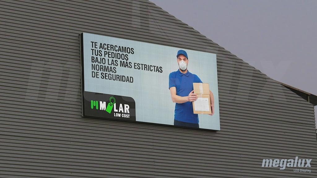 Milar comunica de forma masiva con una gran pantalla LED Megalux en Segovia