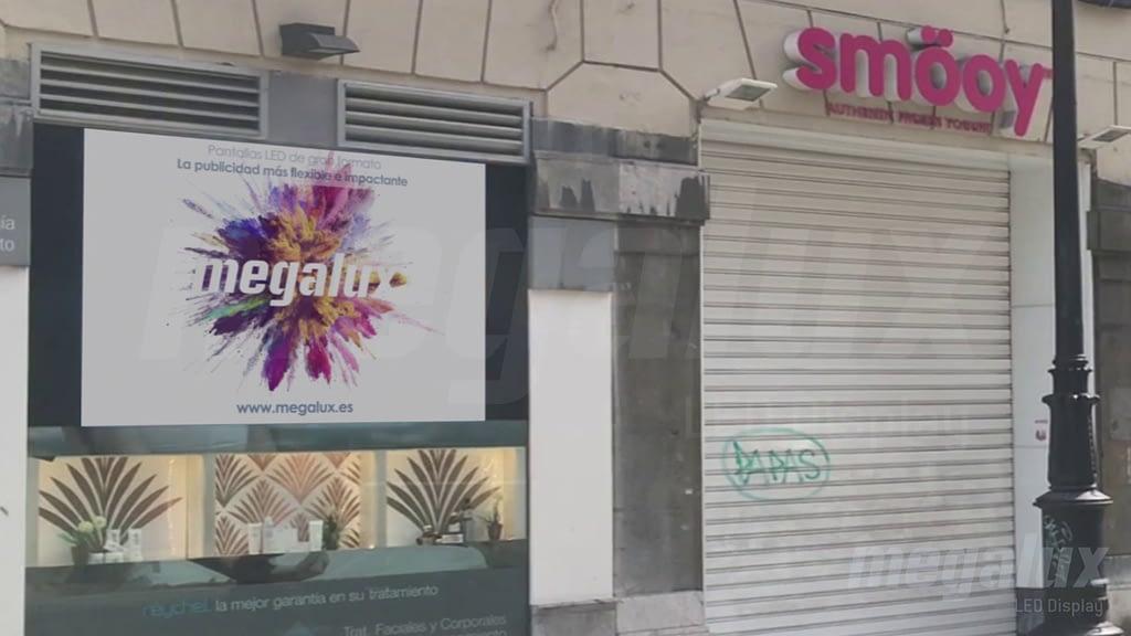 El centro de estética avanzada Reychel en Oviedo elige una pantalla LED Megalux