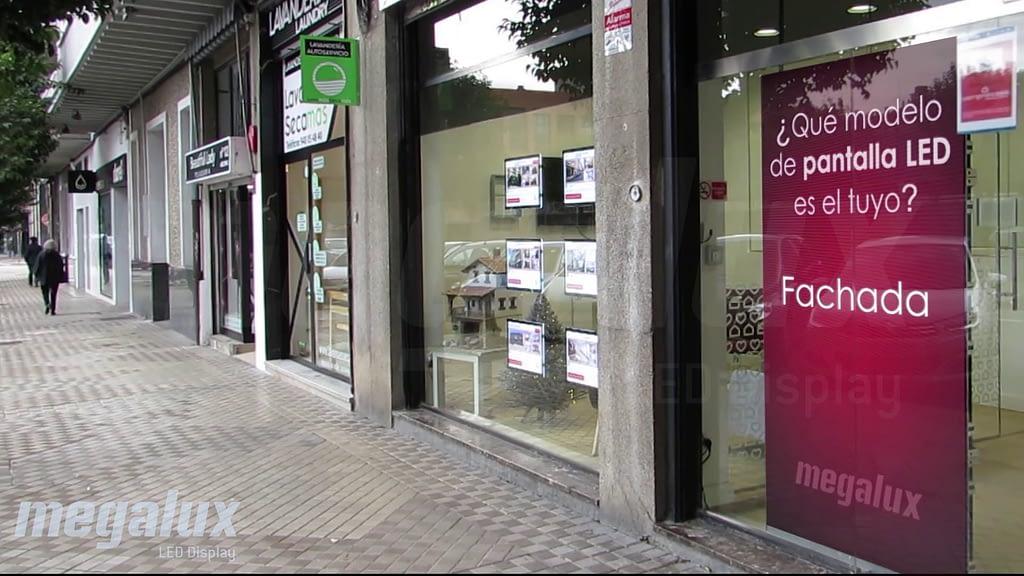 Pantalla LED Megalux en Pamplona, la red de inmobiliarias Comprarcasa opta por pantallas Megalux