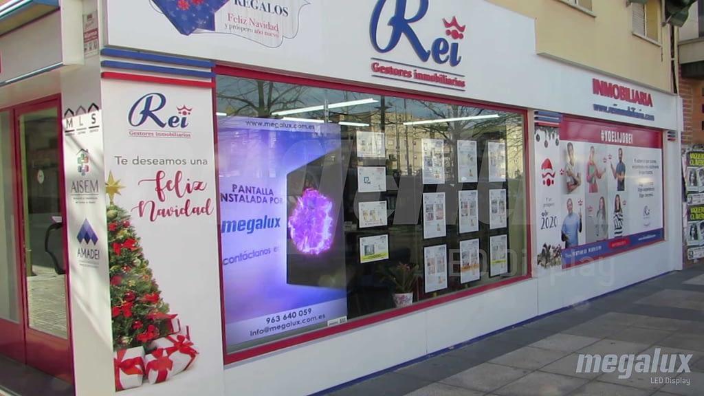 La agencia inmobiliaria Rei instala nueva pantalla LED Megalux en Madrid