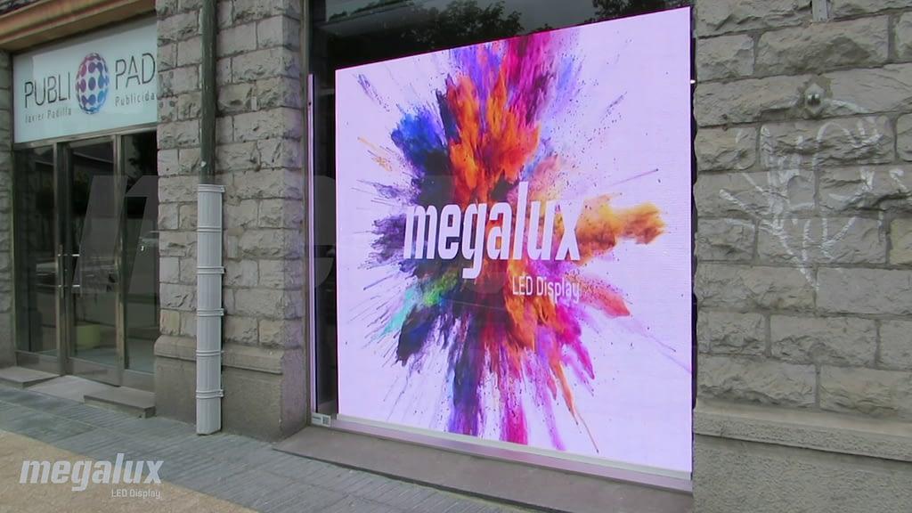 Tres nuevas pantallas LED Megalux en una céntrica ubicación de Vitoria