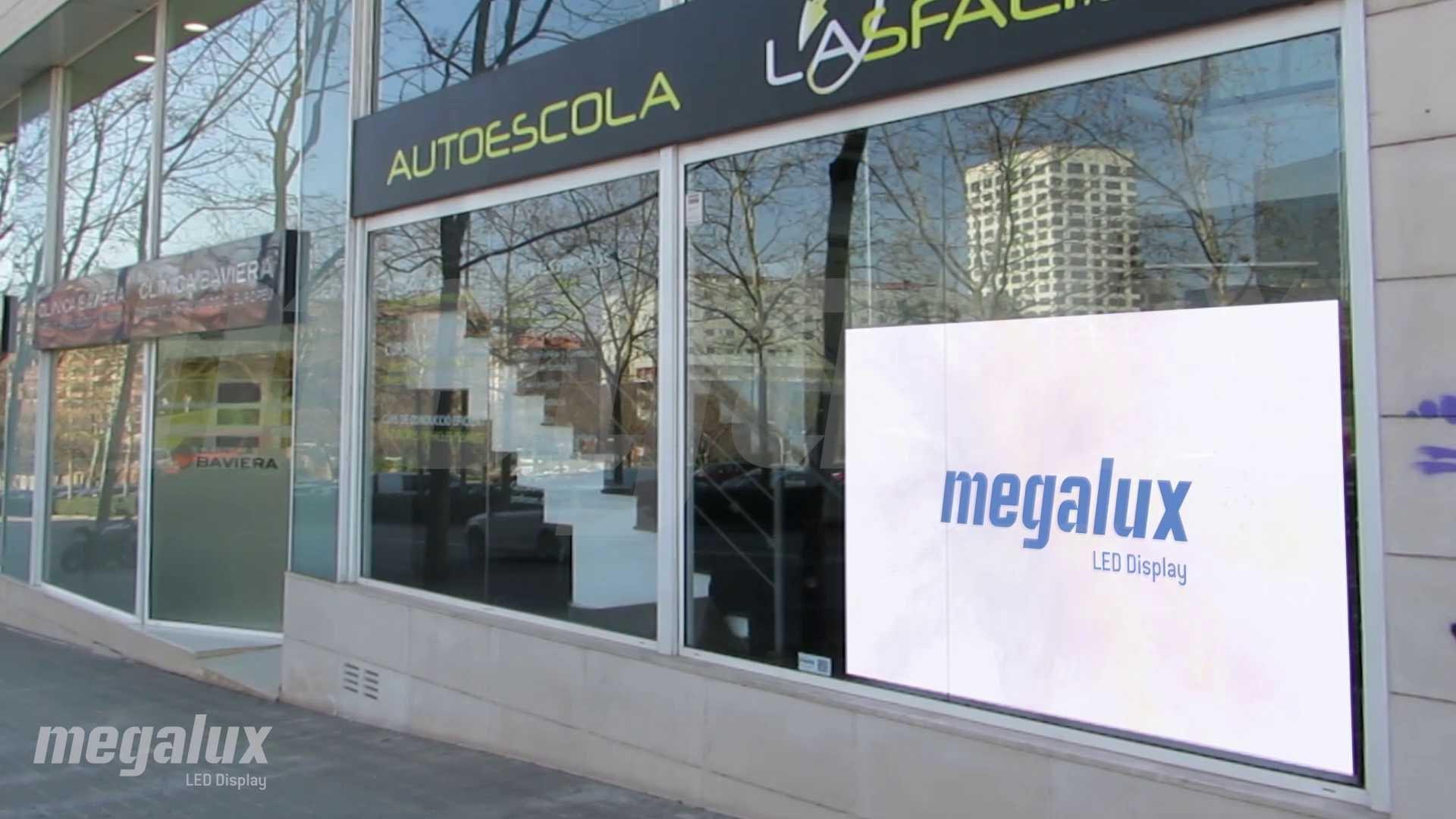Pantalla LED Megalux en Sabadell, el sector de Autoescuelas coge fuerza con pantalla LED